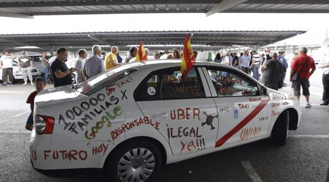 Un grupo de taxistas atentan contra el emprendimiento en Barcelona por ofrecer Uber
